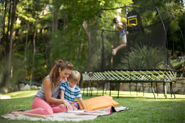 Springfree Trampolines Park To Your Garden